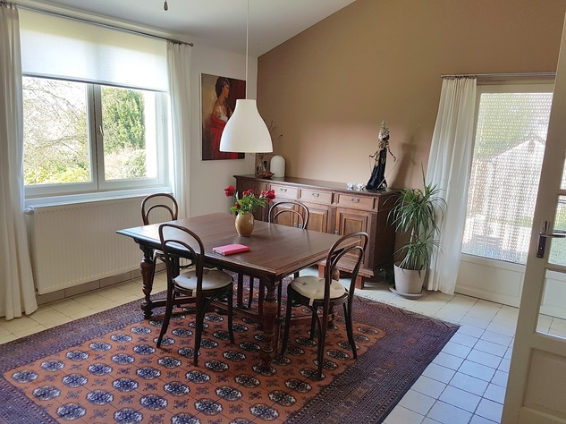 Beautiful renovated house with lovely garden, parking and land 8764
