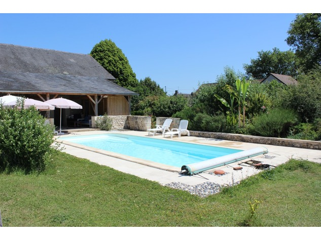 Beautiful property with gite, pool and (wood) land 5513