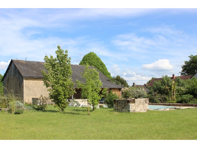 Beautiful property with gite, pool and (wood) land 5514