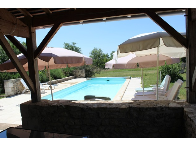 Beautiful property with gite, pool and (wood) land 5515