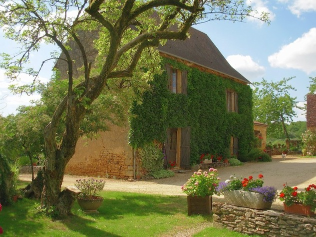 Magnificent property with beautiful outbuildings 7874
