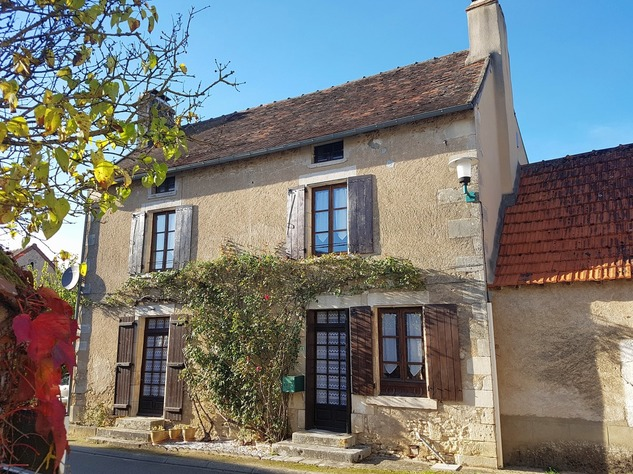 Superb village house with courtyard, detached garden and garage 10950