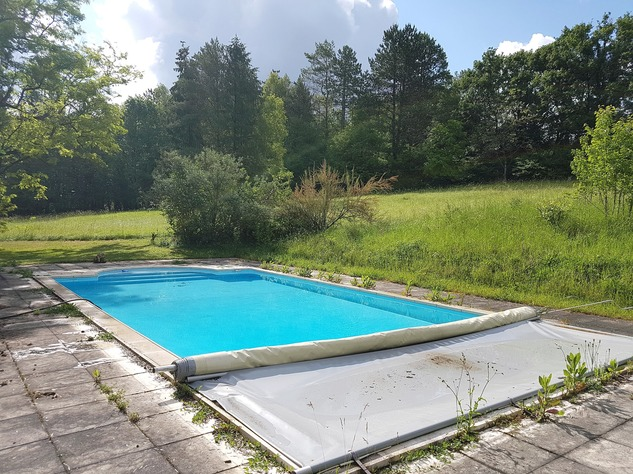 Beautiful property with pool and guest accomodation 12212