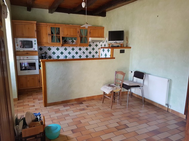 4 bedroom village house with nice, private courtyard 10930