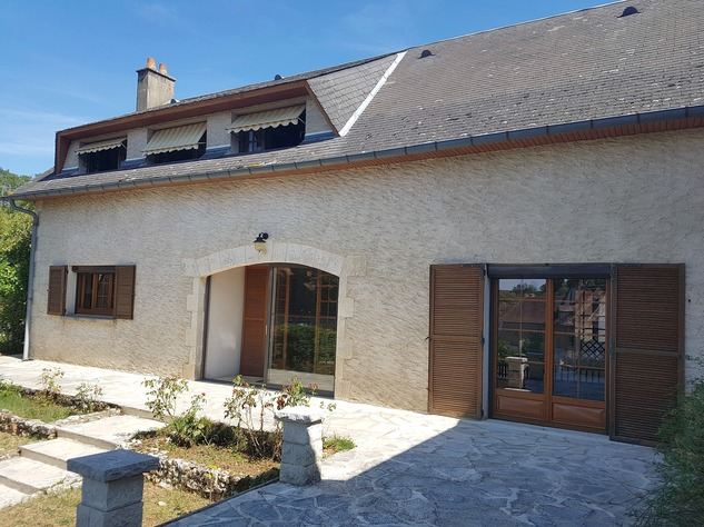 La Brenne, Indre 36: lovely village house with big garage 13605