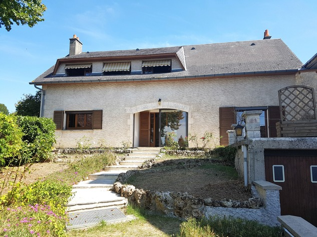 La Brenne, Indre 36: lovely village house with big garage 13606