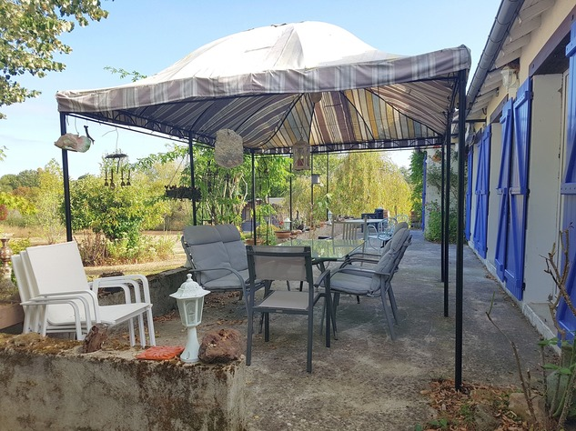 La Brenne, Indre 36, near Prissac: very pleasant one-level house with land 13122