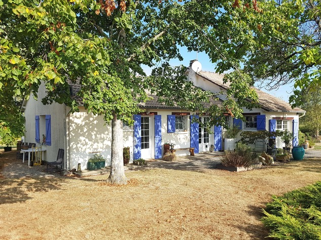 La Brenne, Indre 36, near Prissac: very pleasant one-level house with land 13127