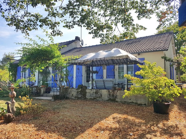 La Brenne, Indre 36, near Prissac: very pleasant one-level house with land 13113