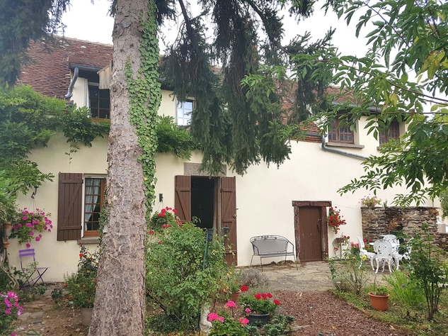 Near Eguzon, Indre 36: pretty house at 5 min. from the beach 13341