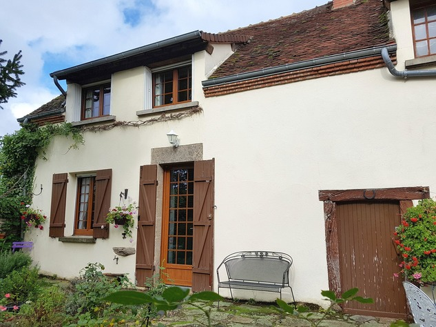 Near Eguzon, Indre 36: pretty house at 5 min. from the beach 13330