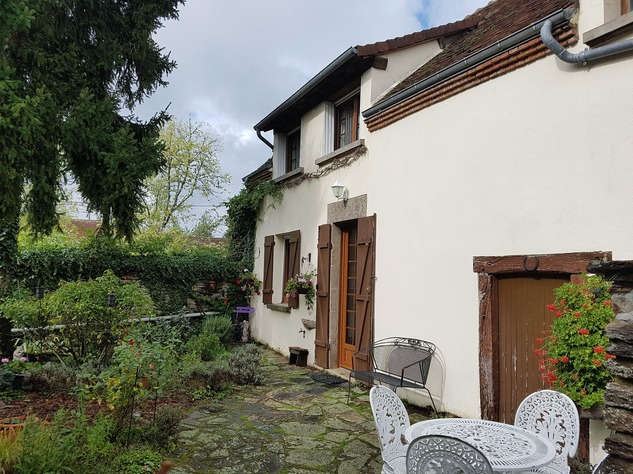 Near Eguzon, Indre 36: pretty house at 5 min. from the beach 13331