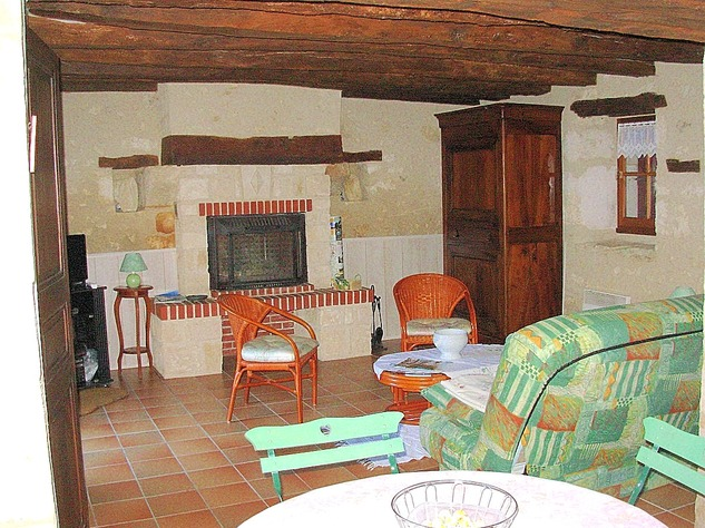 Near Angles sur l'Anglin, Vienne 86: property with swimming pool 13574