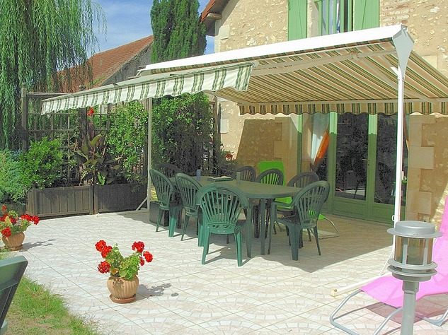 Near Angles sur l'Anglin, Vienne 86: property with swimming pool 13578