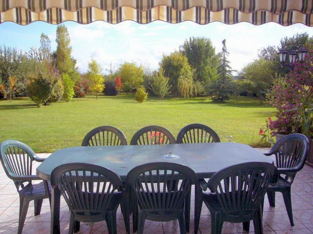 Near Angles sur l'Anglin, Vienne 86: property with swimming pool 13587