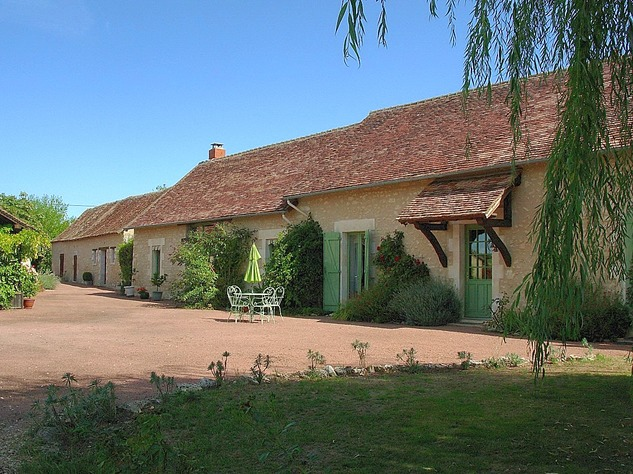 Near Angles sur l'Anglin, Vienne 86: property with swimming pool 13566