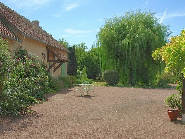 Near Angles sur l'Anglin, Vienne 86: property with swimming pool 13567