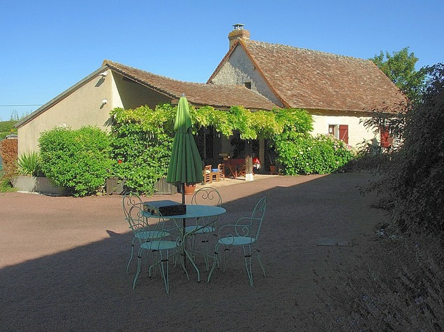 Near Angles sur l'Anglin, Vienne 86: property with swimming pool 13570