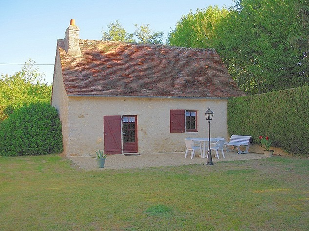 Near Angles sur l'Anglin, Vienne 86: property with swimming pool 13572