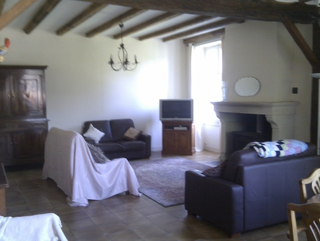 6 Bed Maison Bourgeois, 3 Further Houses on 2.5Ha with Riverside Fishing 2128