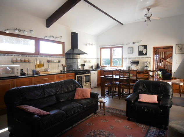 3 Bedroom Architecturally Designed House/Barn Conversion with beautiful Countryside Views 2867