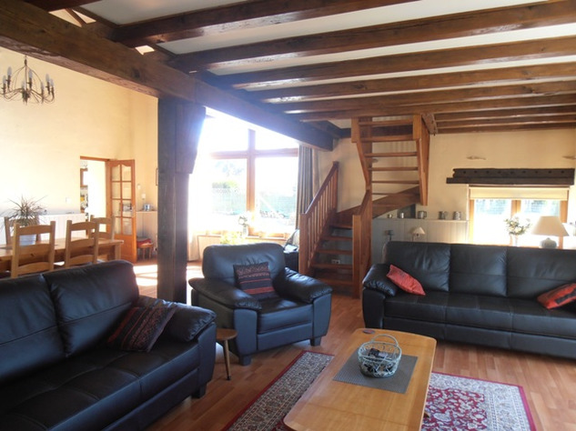 3 Bedroom Architecturally Designed House/Barn Conversion with beautiful Countryside Views 2862