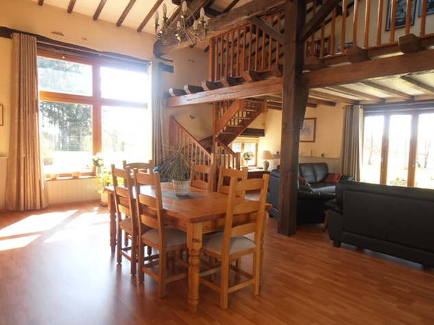 3 Bedroom Architecturally Designed House/Barn Conversion with beautiful Countryside Views 2864