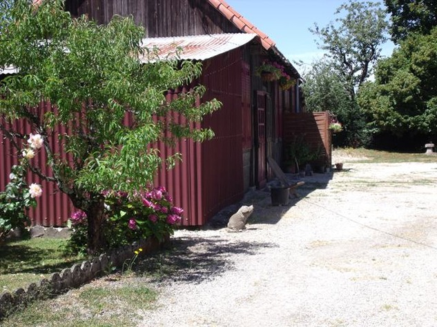 5 Bedroom B & B  or House with Gîte - set in Pretty Hamlet with Barns and Garden 5941