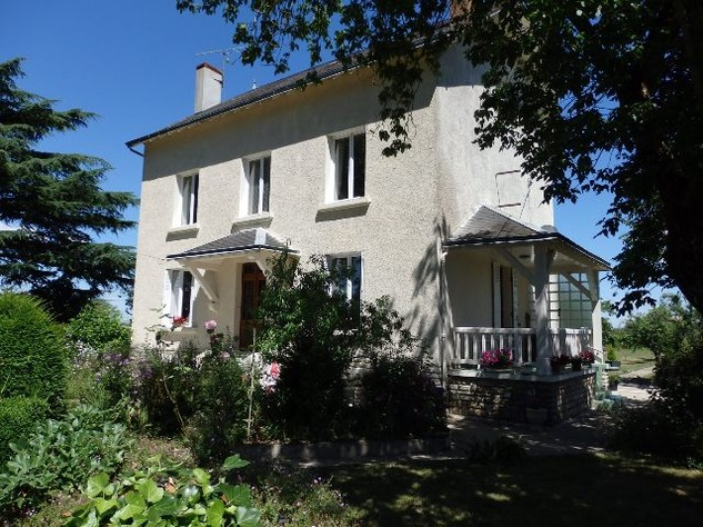 For Sale House with Outbuildings in Millac in the Vienne 5749