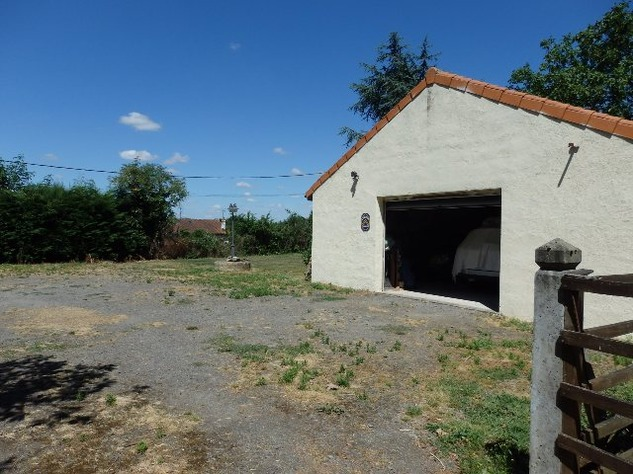 For Sale House with Outbuildings in Millac in the Vienne 5777