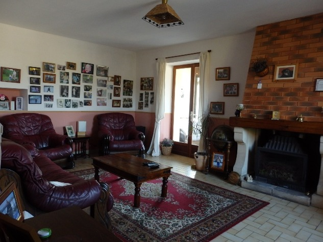Traditional 3 Bedroom Hamlet House with Gardens and Exceptional Countryside Views. 6235
