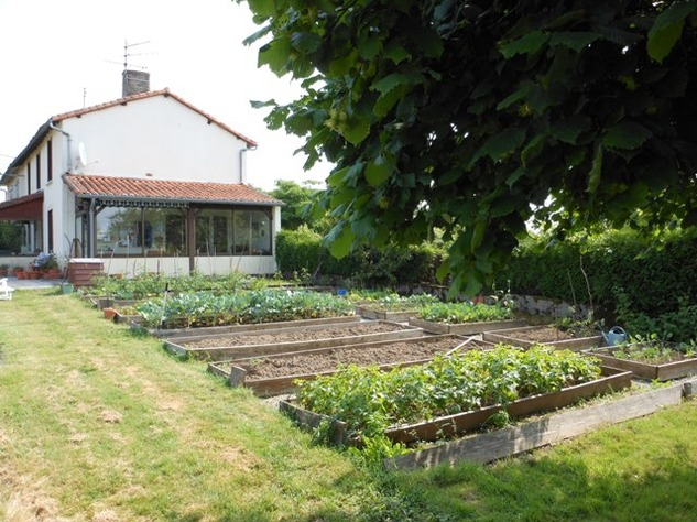 Traditional 3 Bedroom Hamlet House with Gardens and Exceptional Countryside Views. 6238