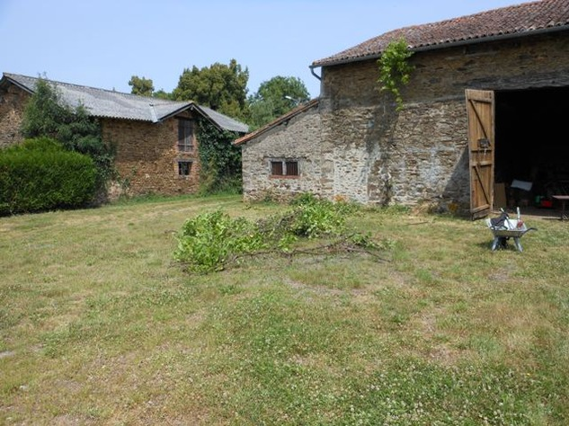 Traditional 3 Bedroom Hamlet House with Gardens and Exceptional Countryside Views. 6227