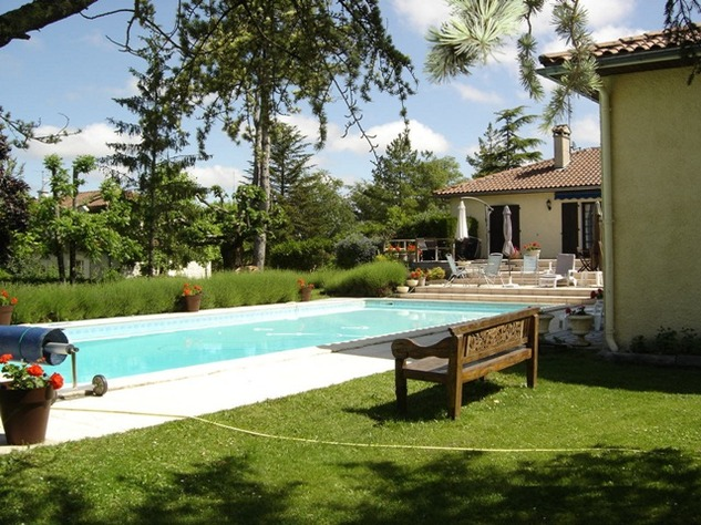 Spacious Village House, 2 Bedroom Gîte, Swimming Pool and Beautiful Countryside Views 6844