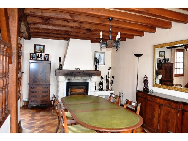 Spacious Village House, 2 Bedroom Gîte, Swimming Pool and Beautiful Countryside Views 6836