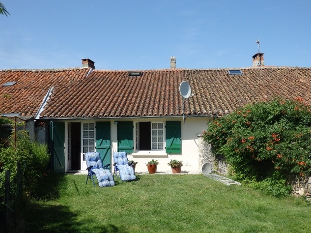 Delightful 2 Bedroom Cottage at the Edge of Little Village near Availles Limouzine 7802