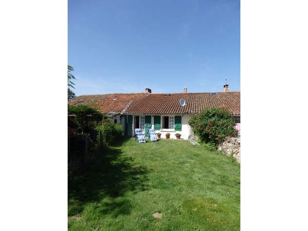 Delightful 2 Bedroom Cottage at the Edge of Little Village near Availles Limouzine 7817