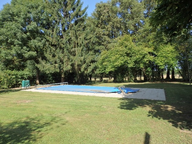 Country Farmhouse with Barn, Bread Oven, Gardens, Orchard, and In-Ground Swimming Pool 7871