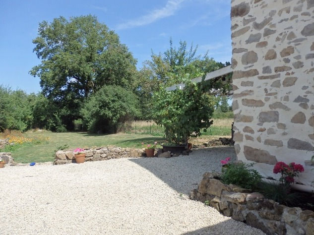 Exceptional House with Garden and Barn on the Edge of Magnac Laval 7981