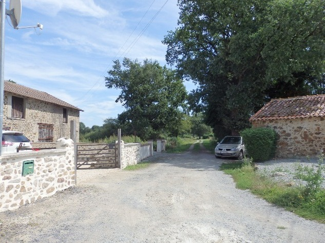 Exceptional House with Garden and Barn on the Edge of Magnac Laval 7987