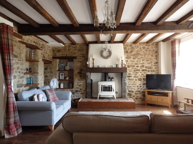 Exceptional House with Garden and Barn on the Edge of Magnac Laval 7970