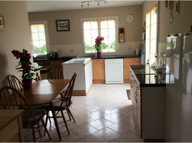 An Immaculate Bungalow in a Popular Village near Le Dorat - B & B Potential 8078
