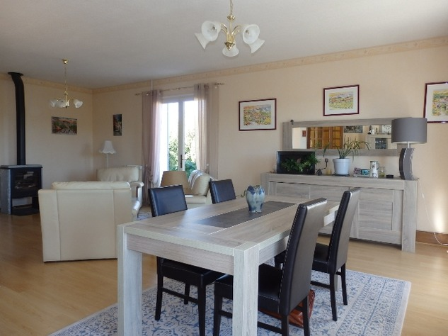 A Substantial  5 Bed House, with Gîte Potential and Views over the Vienne River 8151