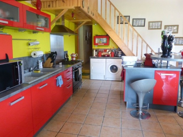 Private 3 Bed Barn Conversion, with 5.2 Acres including Lake  (Gîte/B & B Potential ) 8565