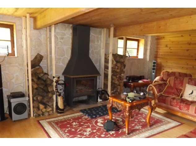 Private 3 Bed Barn Conversion, with 5.2 Acres including Lake  (Gîte/B & B Potential ) 8561