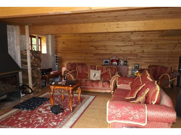 Private 3 Bed Barn Conversion, with 5.2 Acres including Lake  (Gîte/B & B Potential ) 8562