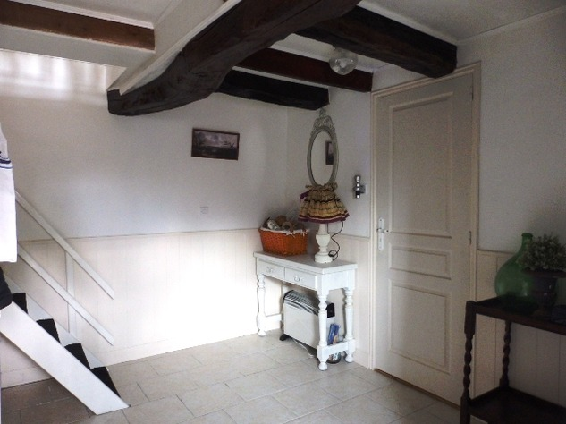 2 Bedroom Upside Down House in a Lovely Village just outside Mansle 9048