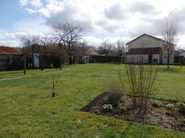 Detached Village House with Garage & Attached Gardens 9237