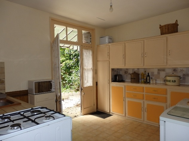 Superb 2 Bedroom Home in Pretty Riverside Village 9519