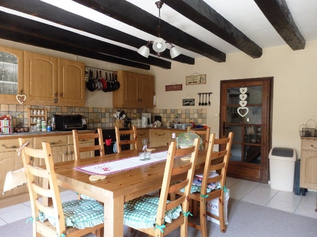 Exceptional 2/3 Bed Cottage with Barn, Gardens and Potential income. 9679